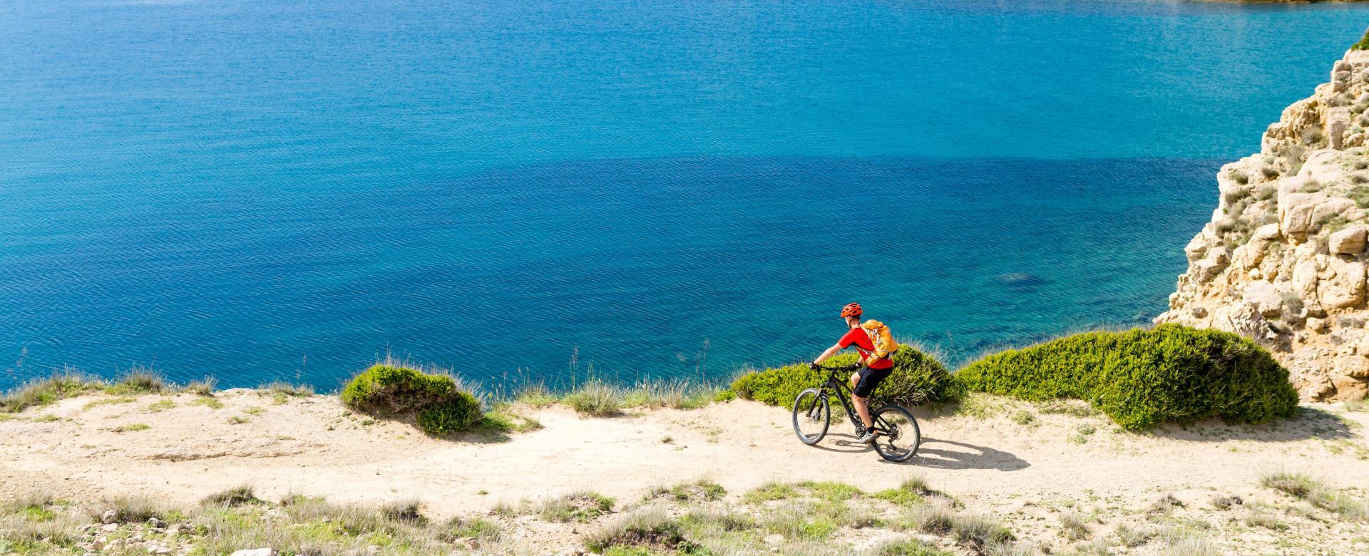 Voyage en véhicule : Les charmes de la côte adriatique à vélo