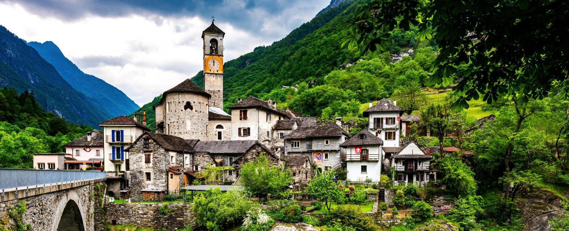 Voyage à pied : Monti e valli du tessin