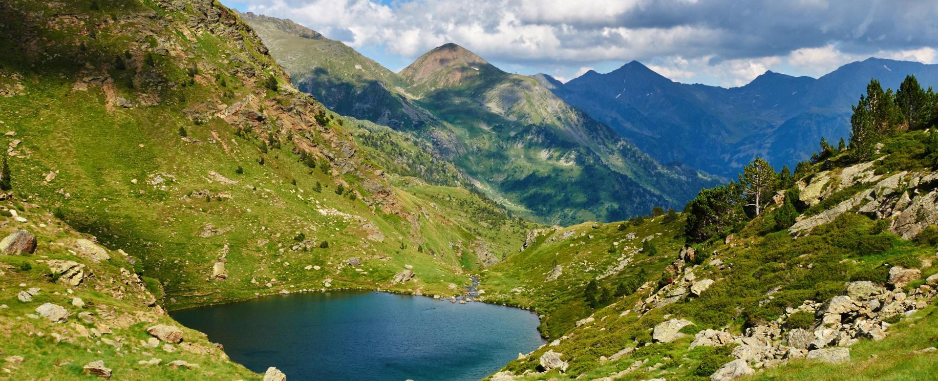 Voyage à pied : Rando-balnéo en andorre