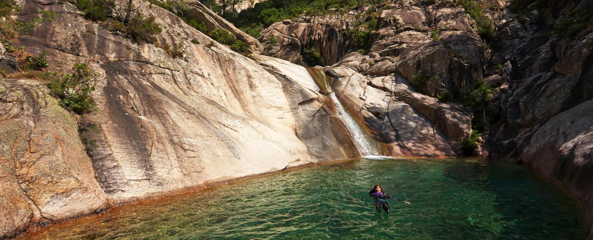 Voyage sur l'eau : Aventuriers en corse