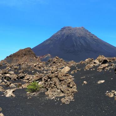 Santiago et volcan de Fogo