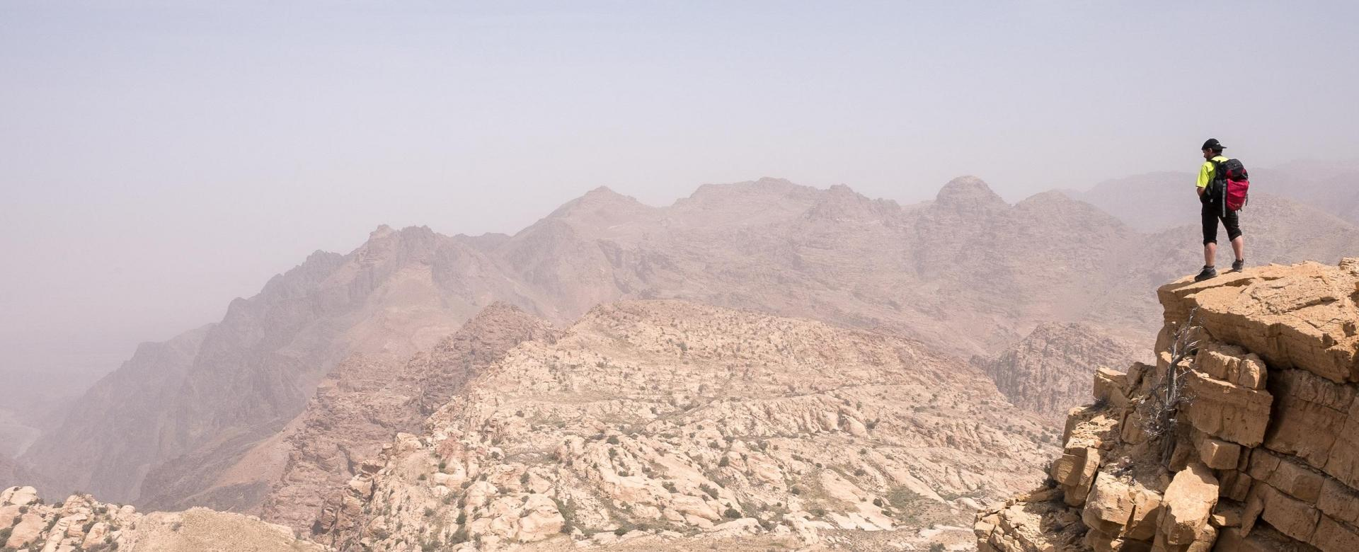 Voyage à pied : Wadi rum : vires et sommets du vertige