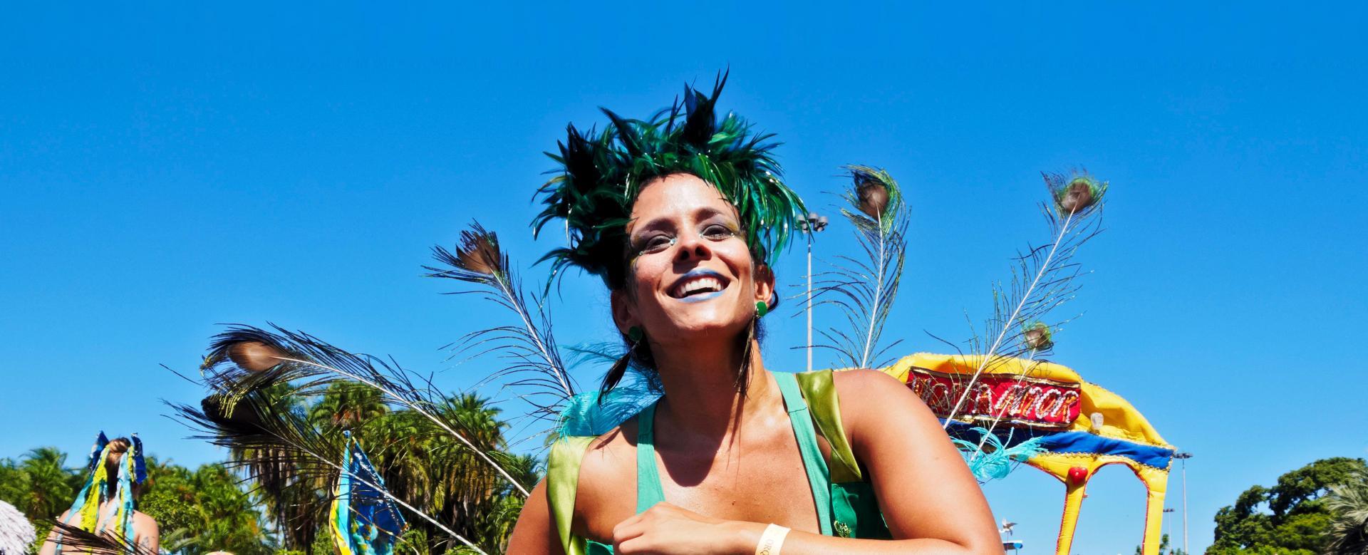 Voyage à pied : Carnaval m\'tis de mindelo