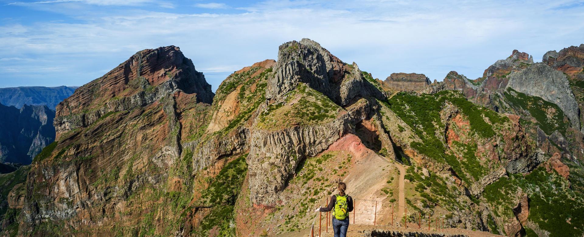 Voyage à pied : Randonnées de picos en levadas