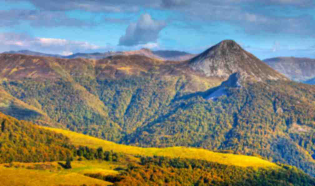 massif-central-randonnee-cantal-volcans-dauvergne