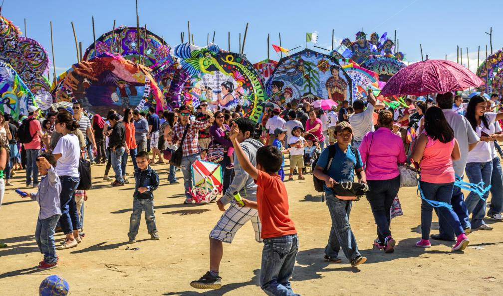 Image Volcans, tikal et festival des cerfs-volants