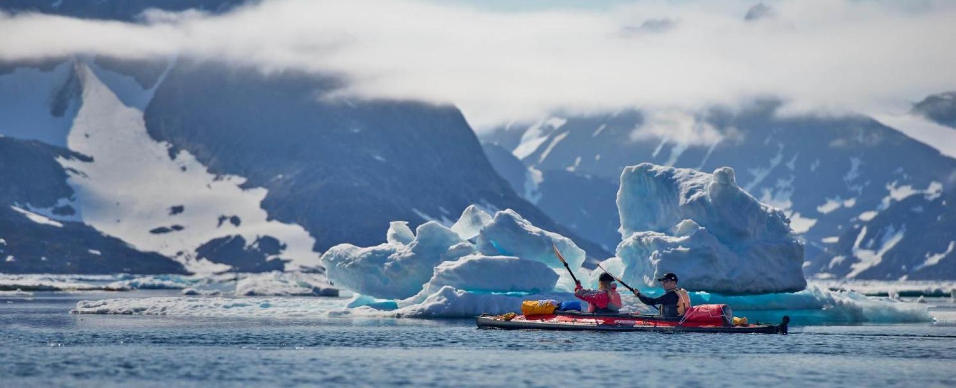 Voyage sur l'eau Groenland : Solitudes glacées