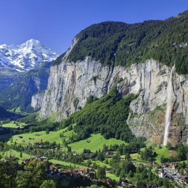 Les cimes étincelantes de l'Oberland