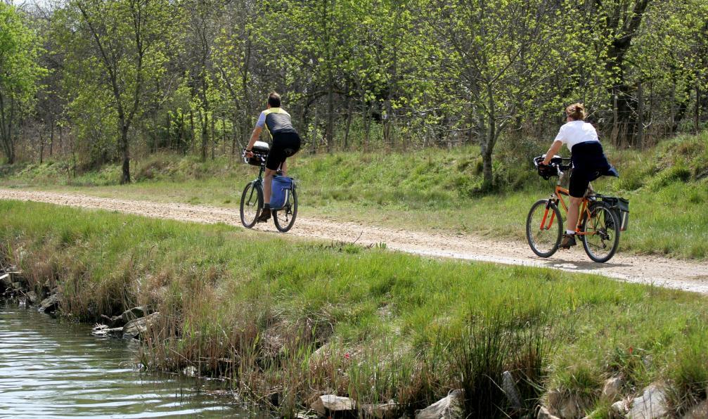 Image Week-end vélo électrique le long du canal du midi