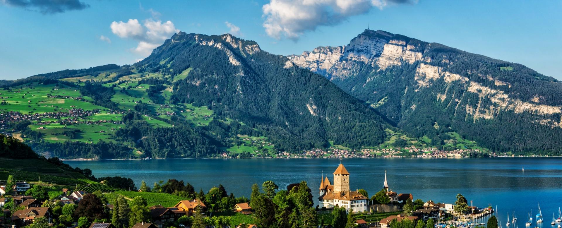 Voyage en véhicule : Suisse : Des sources du rhône à genève à vélo