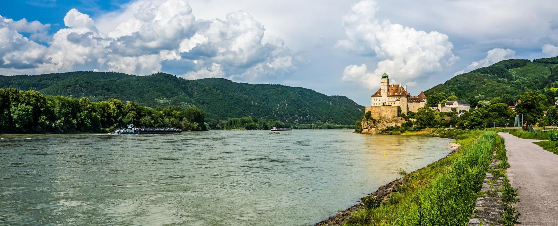 Voyage en véhicule : Le long du danube autrichien à vélo