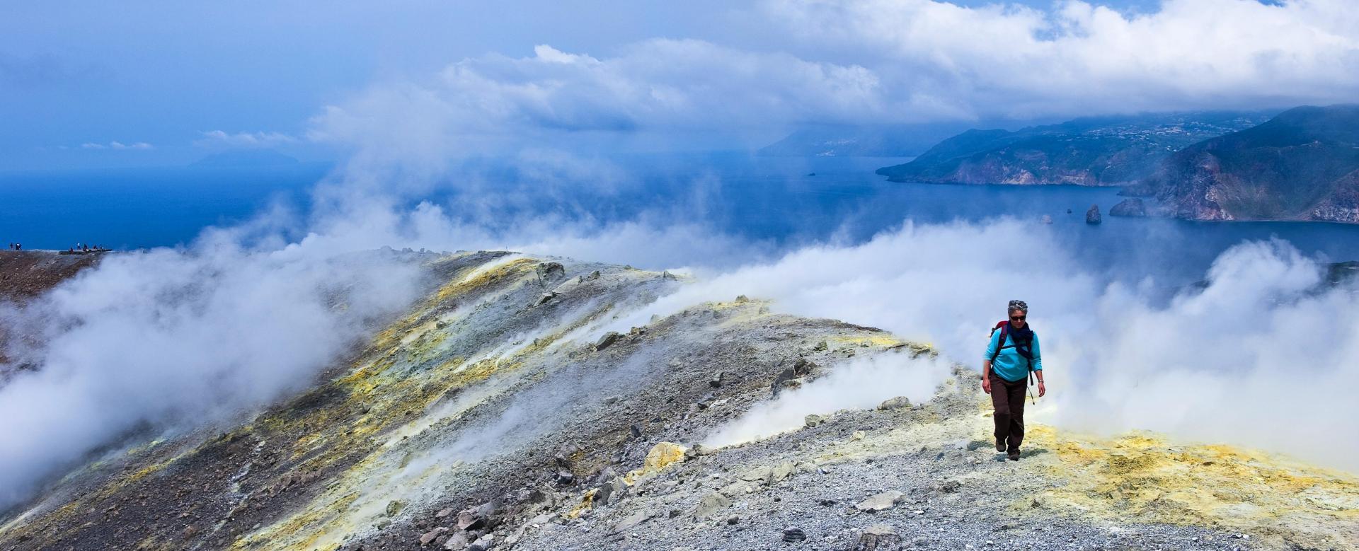 Voyage à pied Italie : Volcans des eoliennes et de l'etna