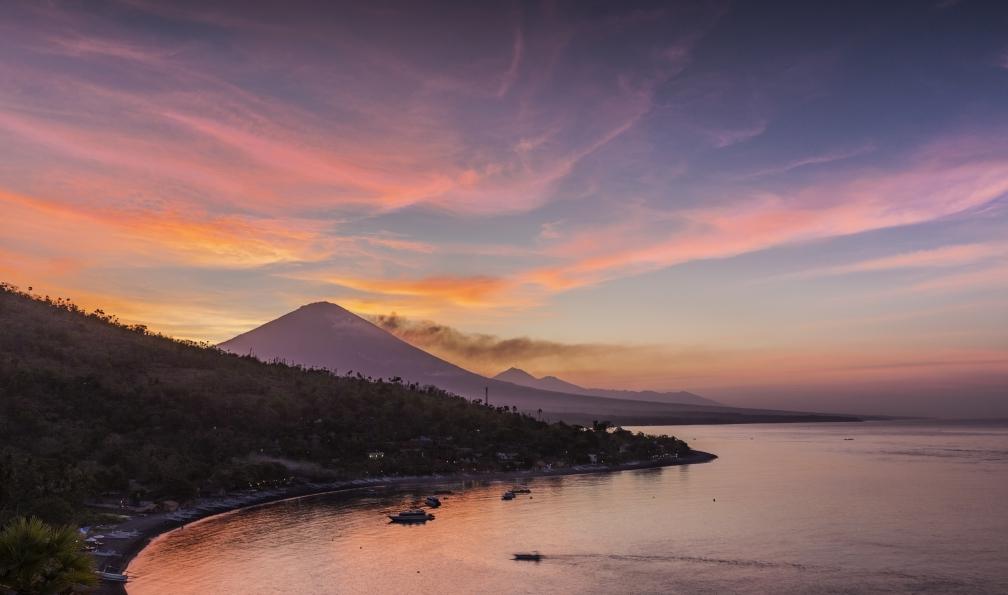 Image Vélo électrique et volcans à bali