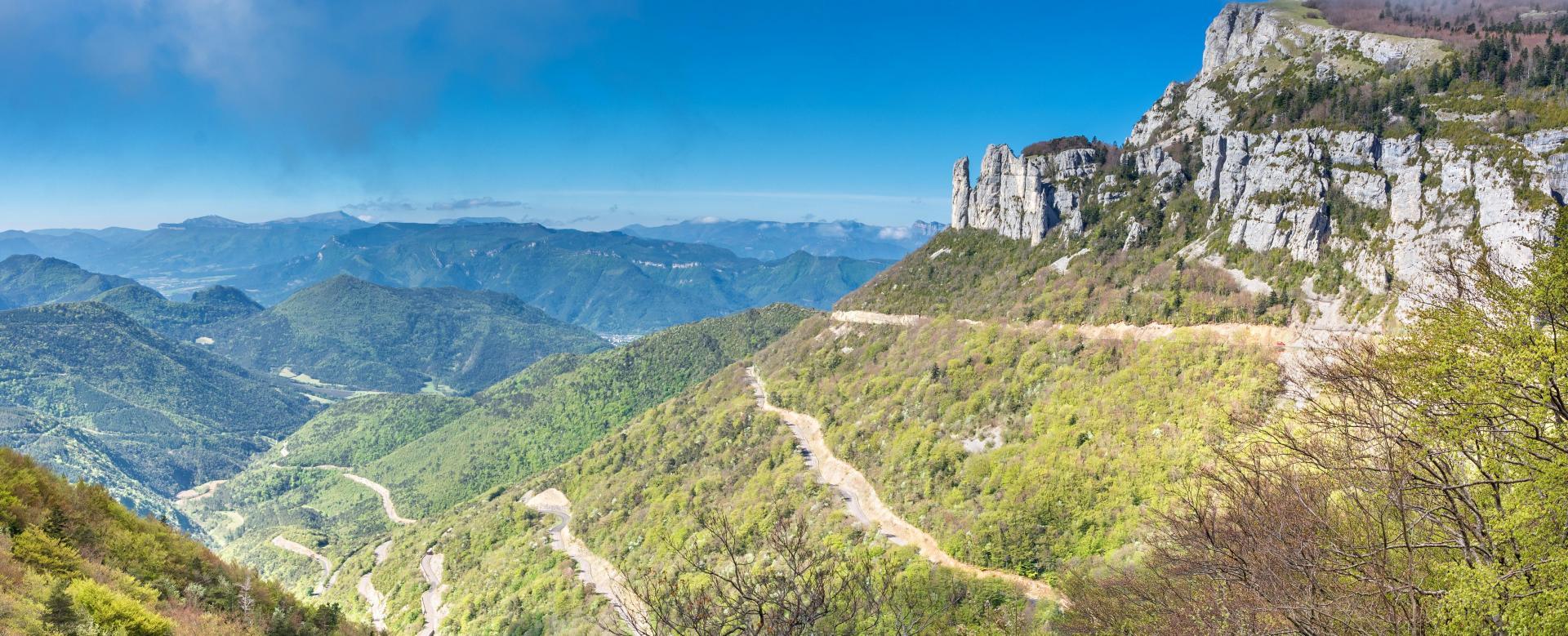 Voyage en véhicule France : Au fil de la drôme à vélo