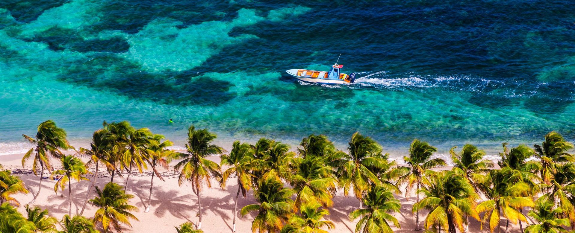 Voyage sur l'eau : Guadeloupe, l\'île nature