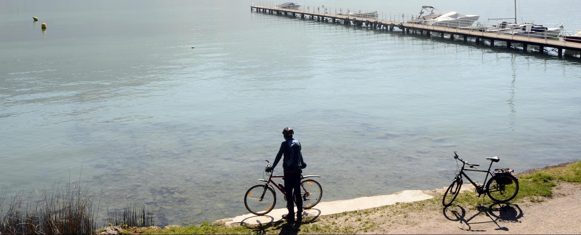 Voyage à pied : Du lac d'annecy au lac du bourget à vélo