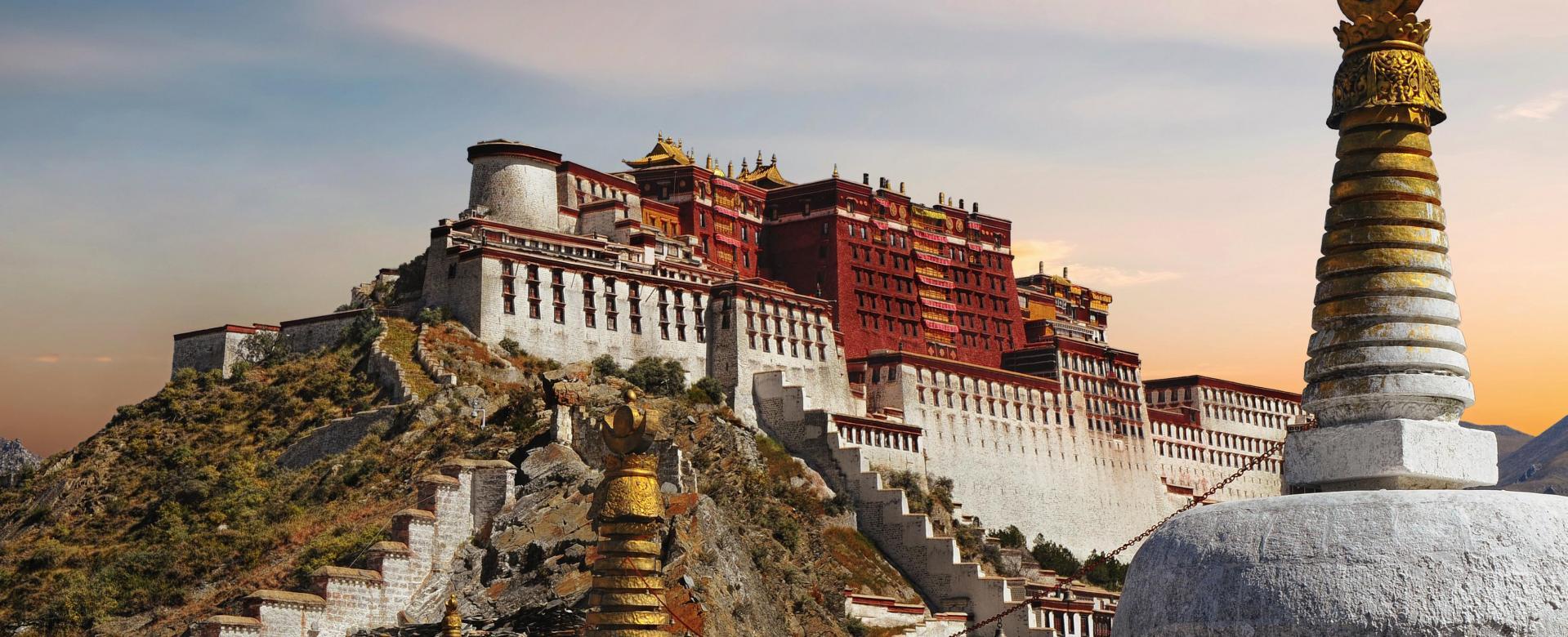 Voyage à pied : Pékin-lhassa, le train céleste