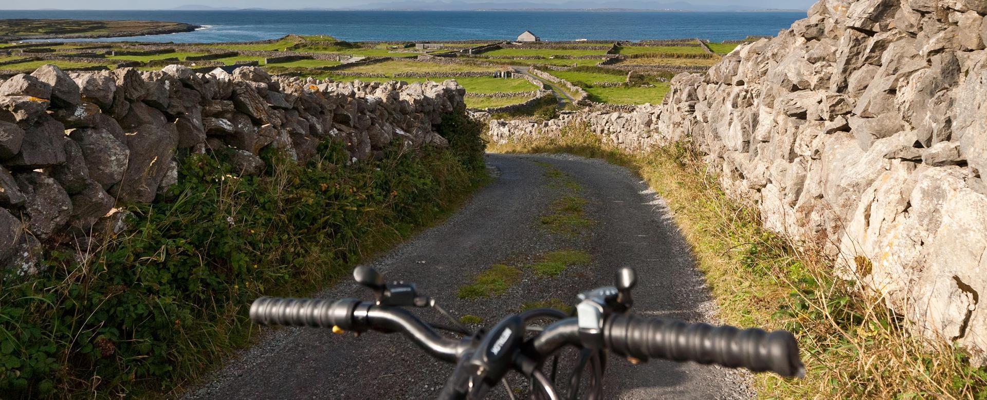 Voyage en véhicule : Wild atlantic way, l'irlande sauvage à vélo