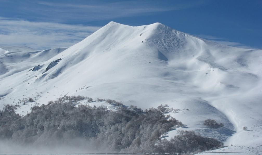 Image Volcans enneigés d'auvergne