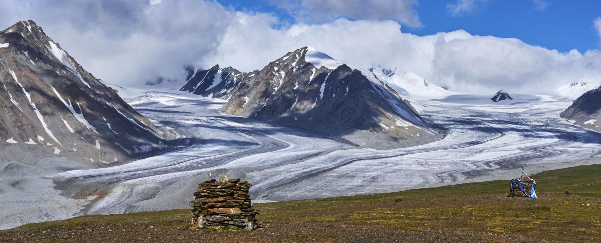 Voyage à pied : Trek entre lacs et glaciers de l'altaï mongol