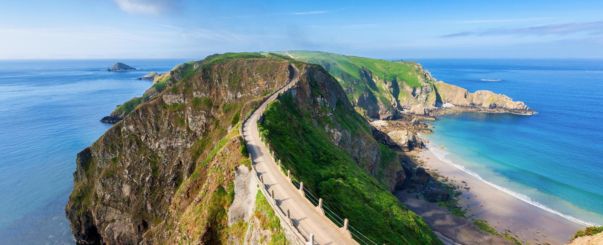 Voyage en véhicule : Les îles anglo-normandes à vélo