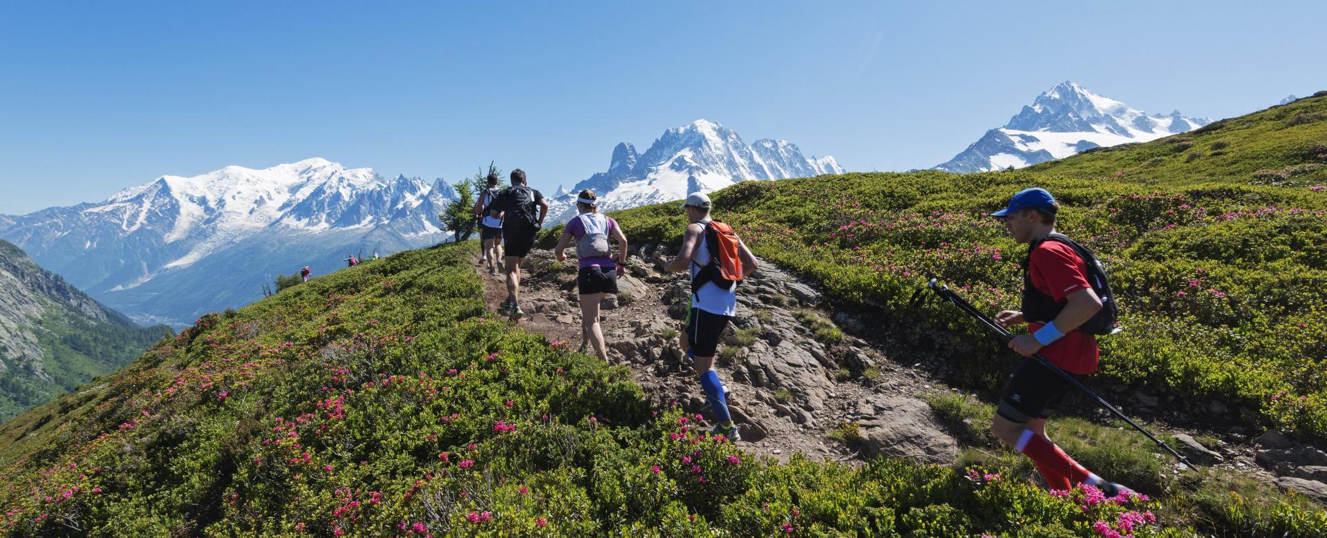 Voyage à pied France : Le trail du mont-blanc avec julien chorier
