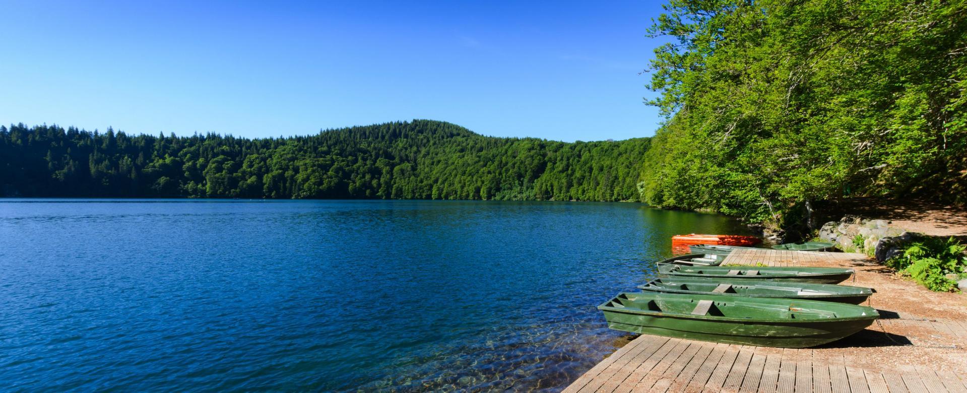 Voyage à pied : Lacs et volcans d\'auvergne en étoile