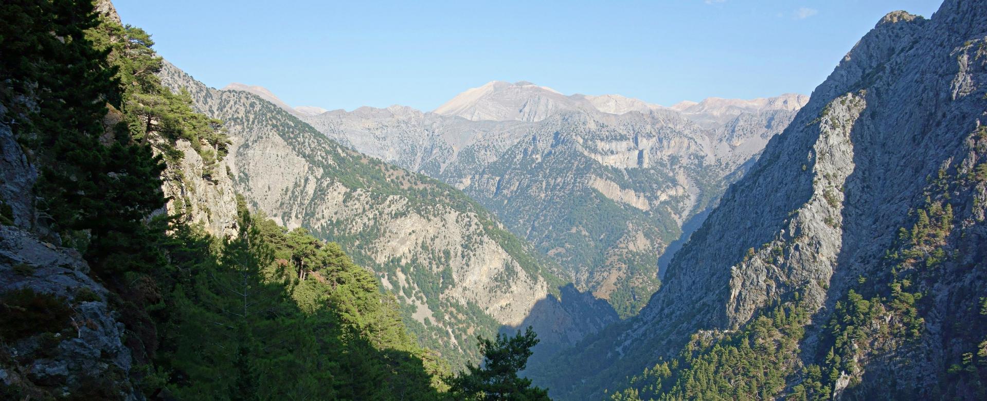 Voyage à pied : Grande bleue, montagnes blanches