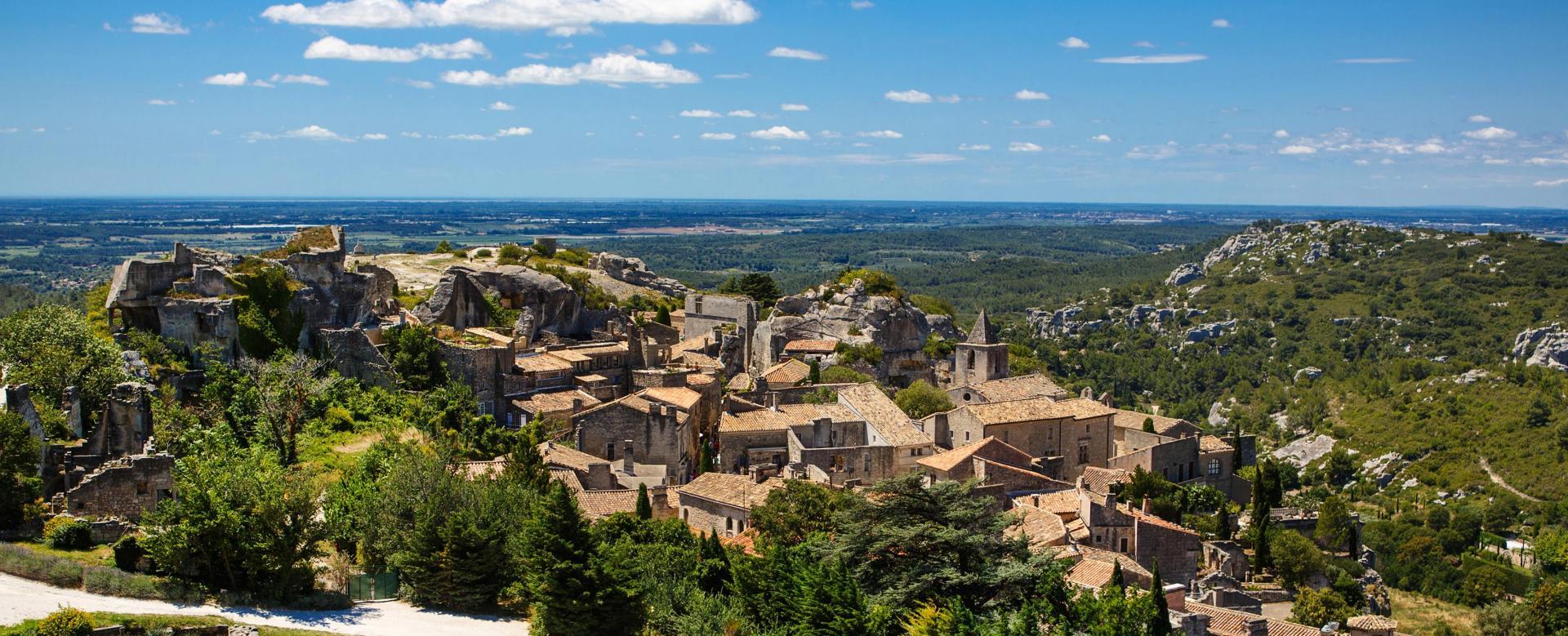 Voyage en véhicule France : La provence à vélo, des vignobles aux alpilles