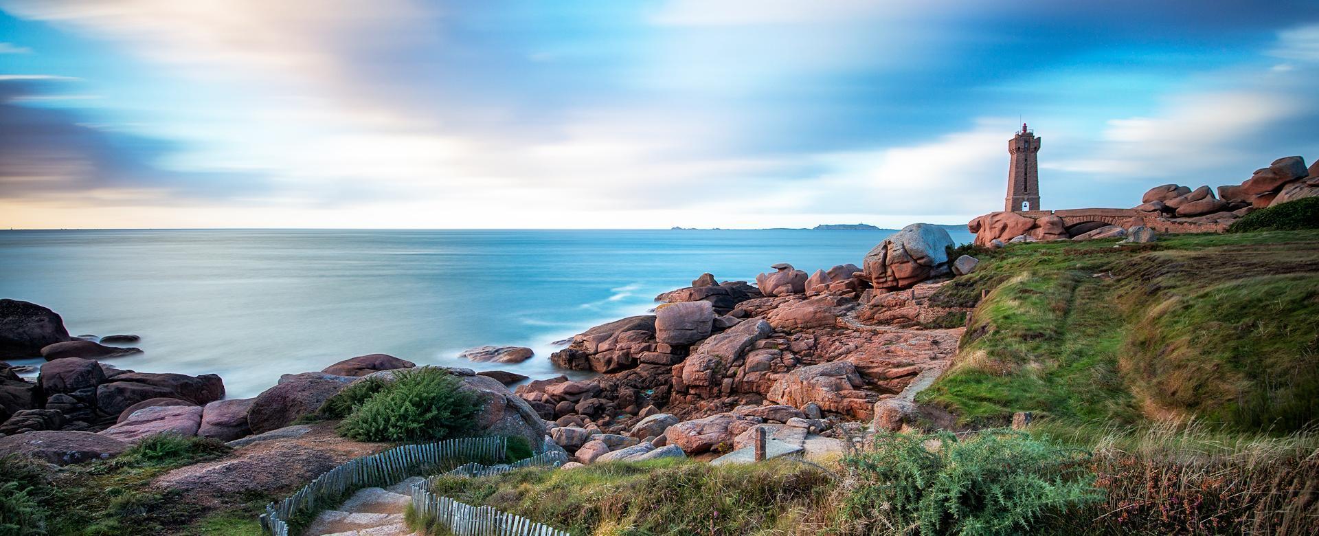 Voyage à pied : La côte de granit rose