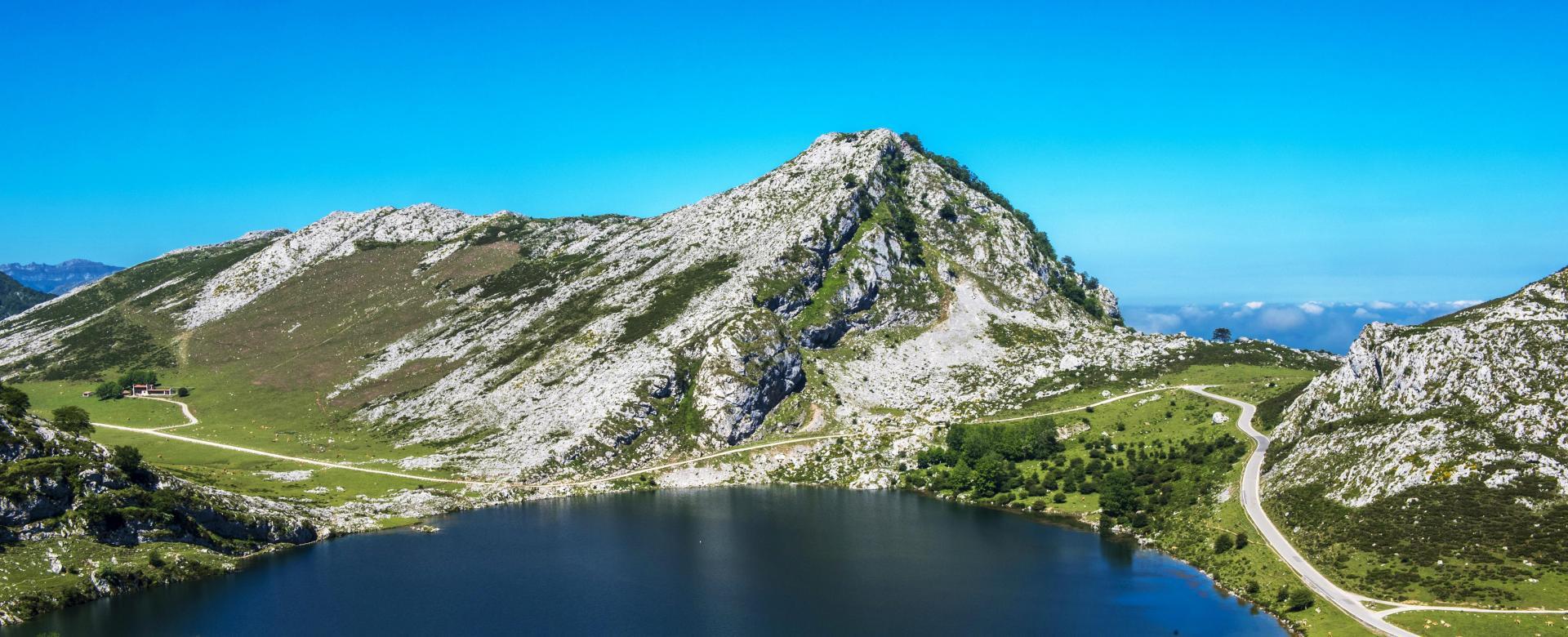 Voyage en véhicule Espagne : Des picos de europa à la mer à vélo