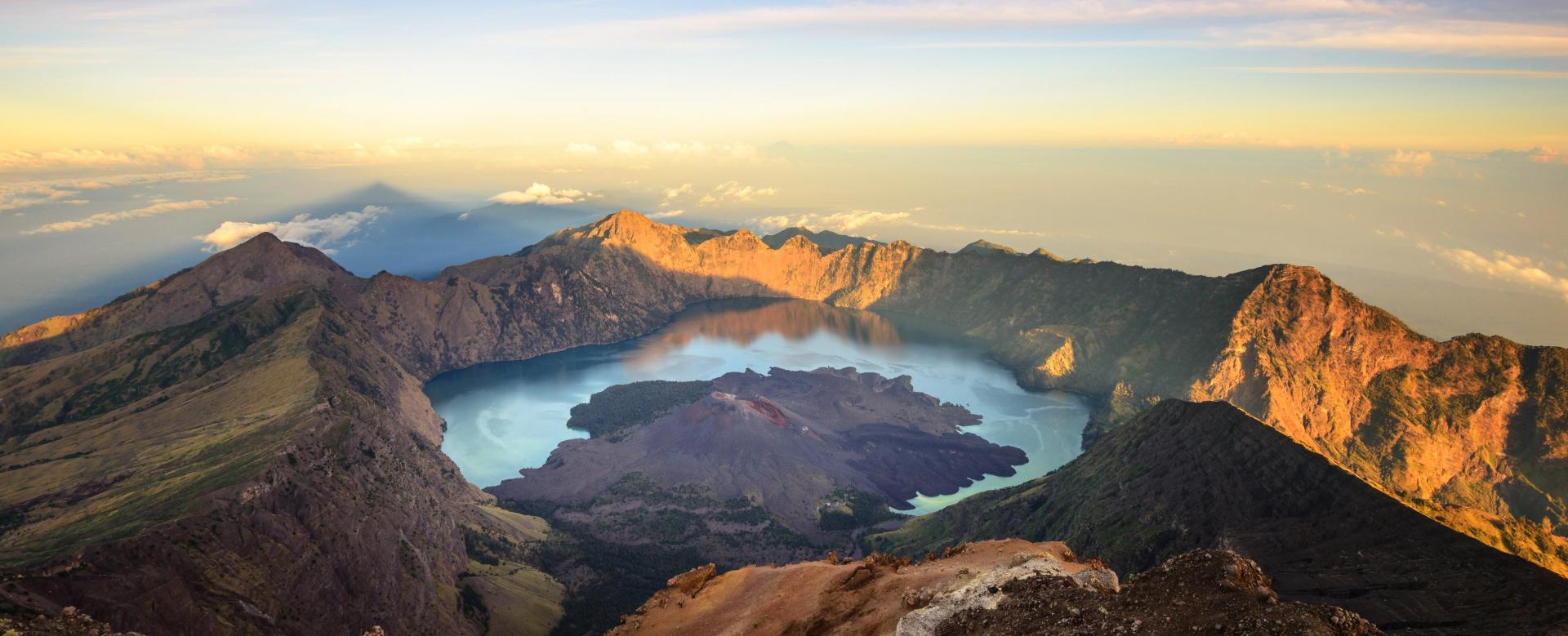 Voyage à pied : Volcans d'indonésie