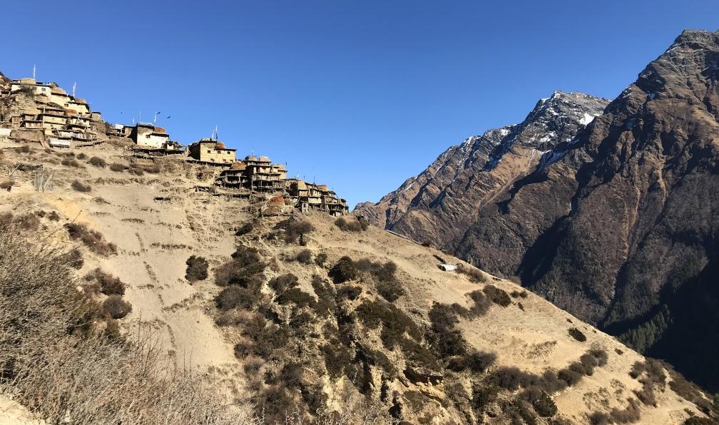 Image Dans l'ouest du népal, le trek du saïpal (7031 m)