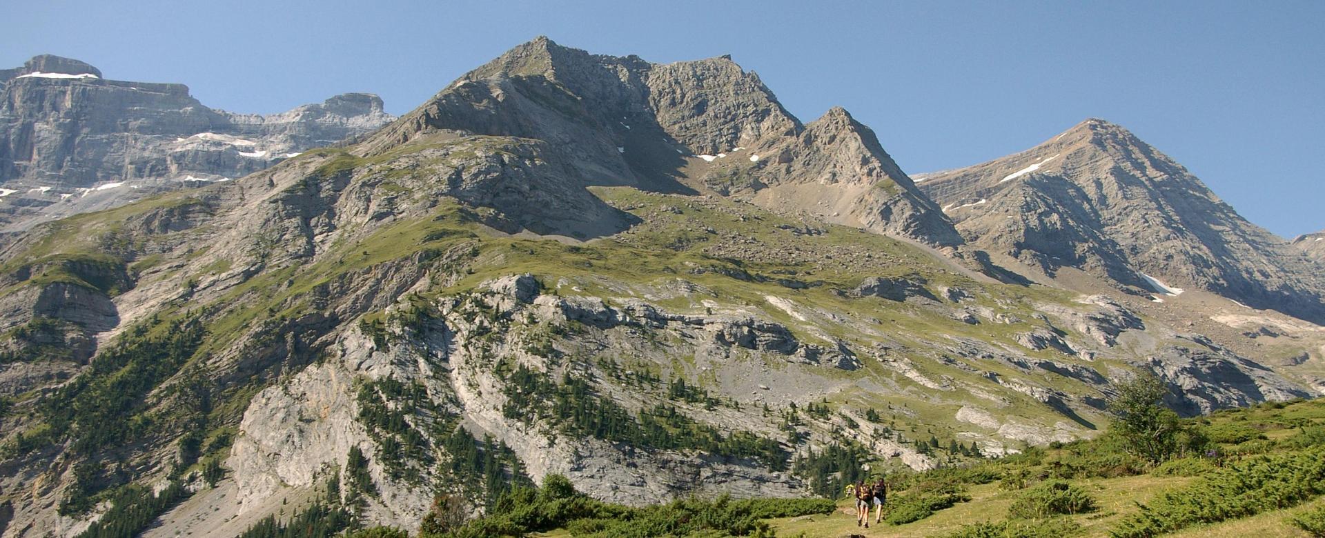 Voyage à pied : Les 3000 des pyrénées, du vignemale au mont perdu