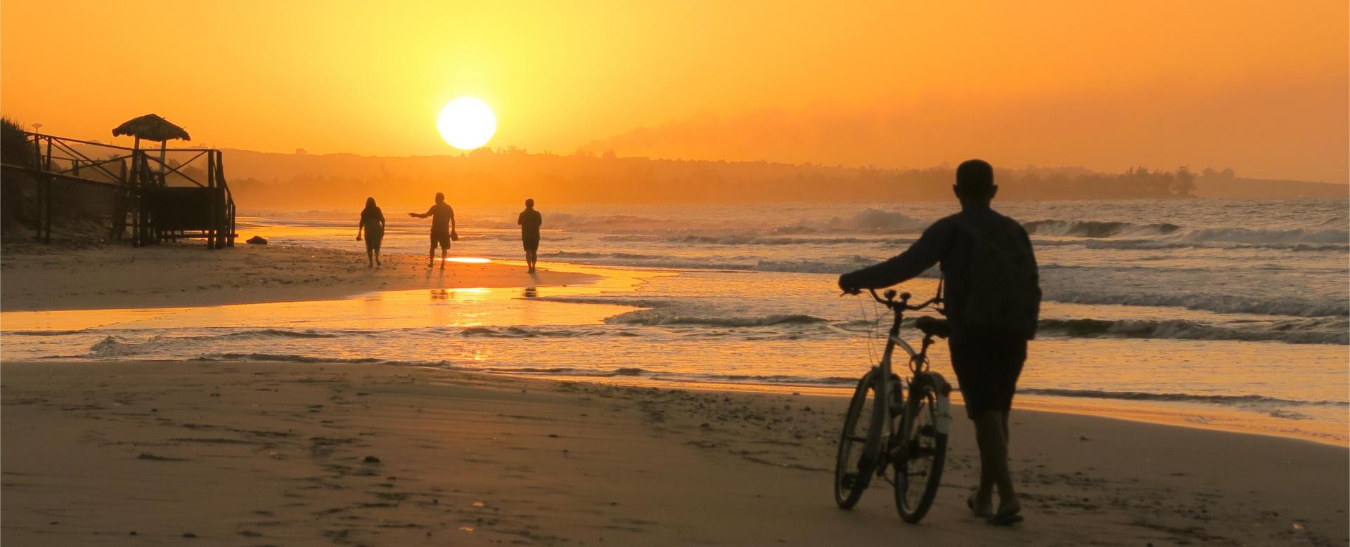 Voyage en véhicule : Cités coloniales et parcs de cuba à vélo