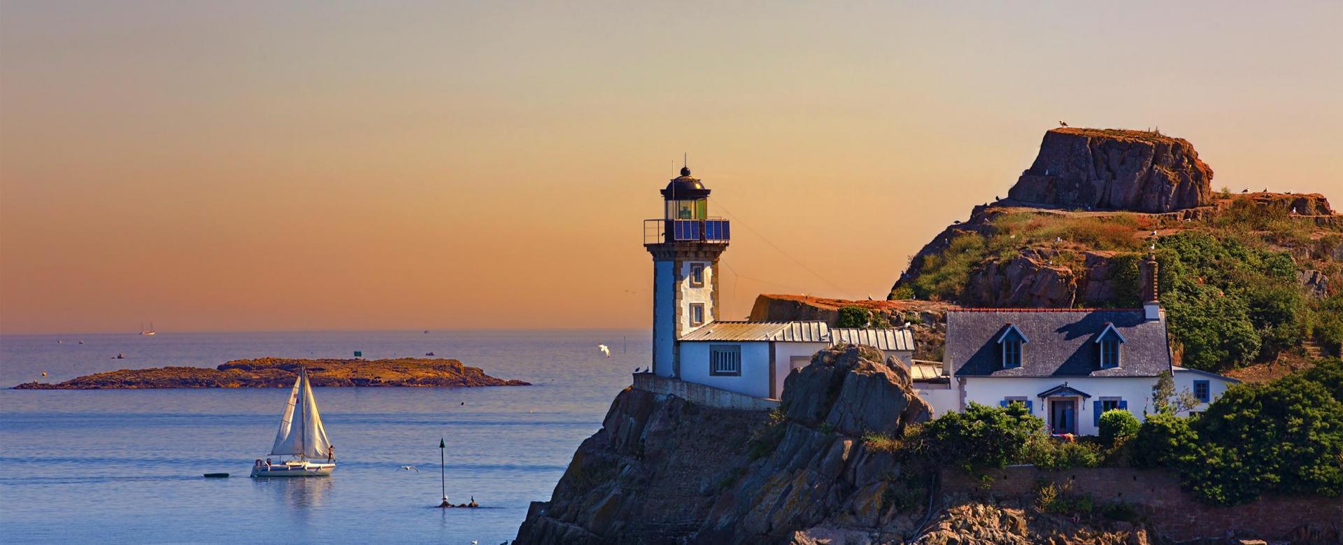 Voyage à thème France : Rando-forme àroscoff et sur l'île de batz
