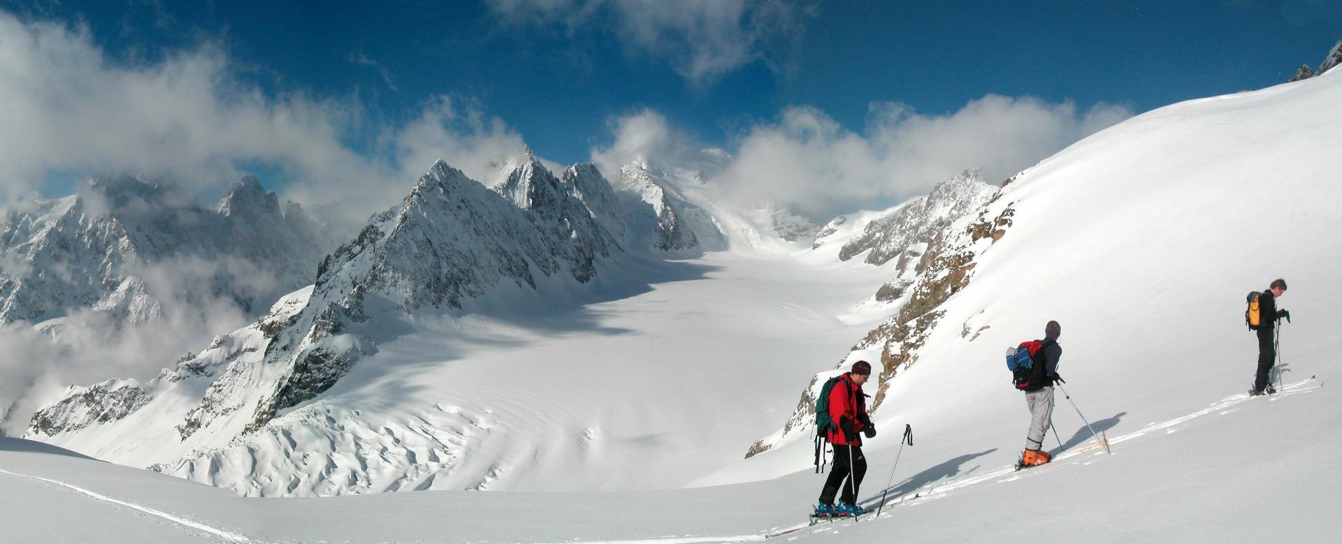 Voyage à pied : La haute route des ecrins à ski