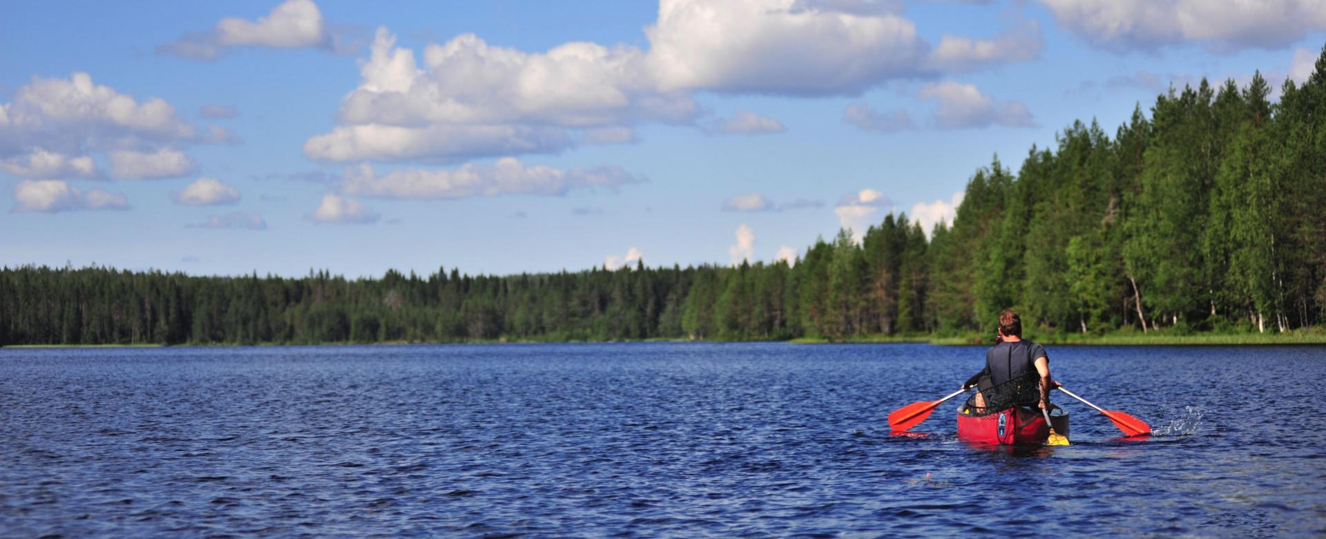 Voyage sur l'eau : Canoë en laponie