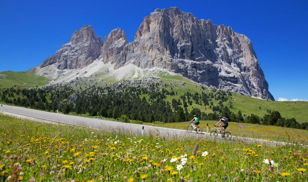 Image Les pistes des dolomites à vélo
