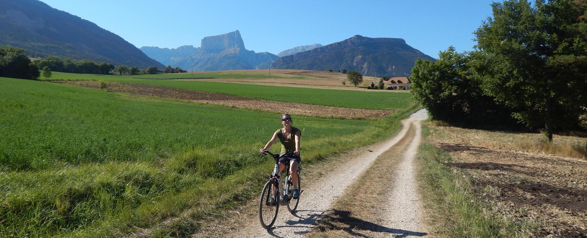 Voyage en véhicule : Vercors, trièves et lac du monteynard à vélo