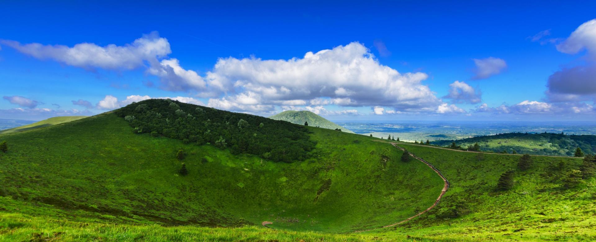 Voyage à pied France : Gtmc 2 : du massif du sancy au cantal