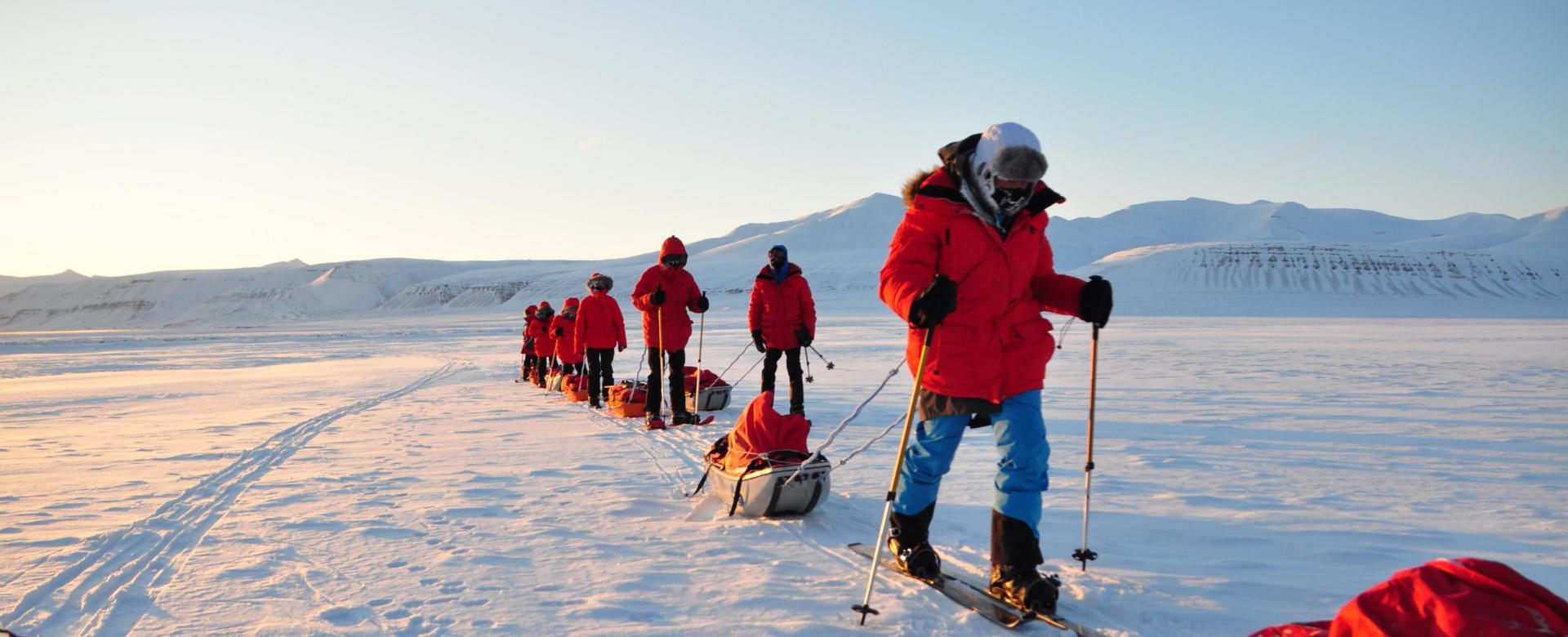 Voyage à pied : Objectif glacier von post à skis ou raquettes
