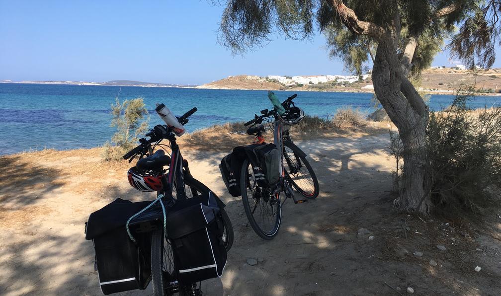 Image Vélo et rando dans les cyclades